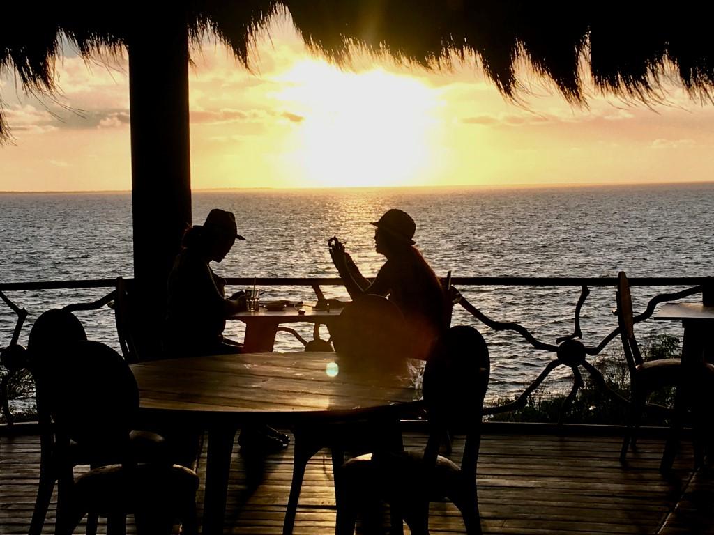 Olo-Be_Restaurant_Terrasse_coucher-du-Soleil_IMG_0670